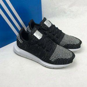 Women's Swift Run Sneakers EG7984 Black/Silver